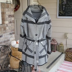 Fall Jacket houndstooth like pattern